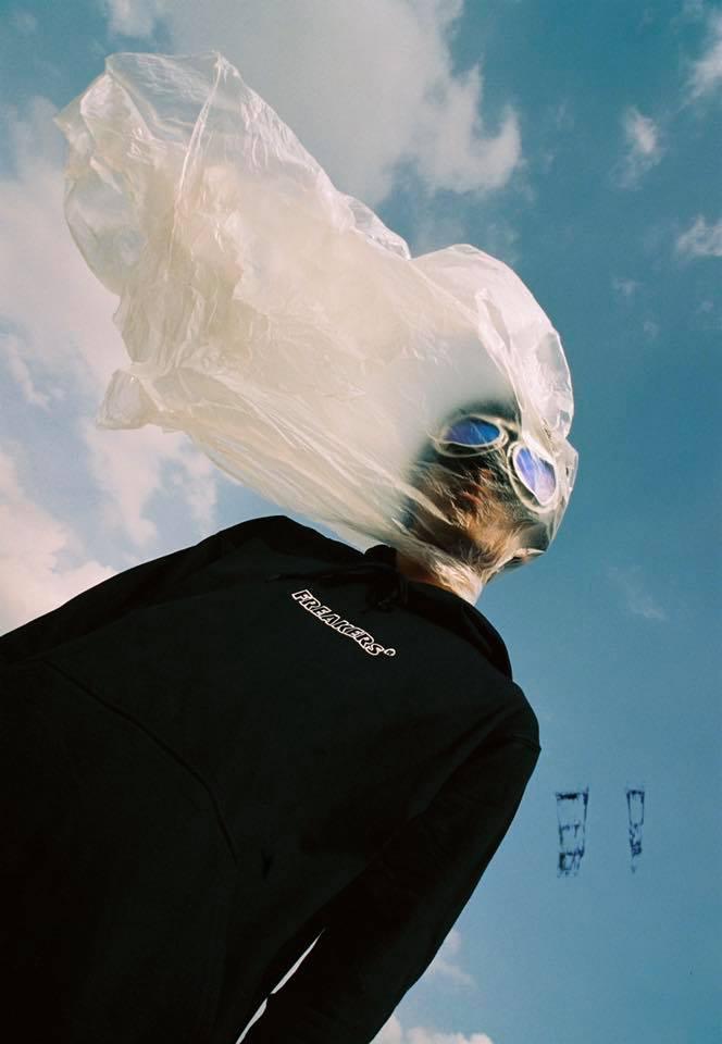 hoodie-freakers-local-brand-viet-nam-streetwear