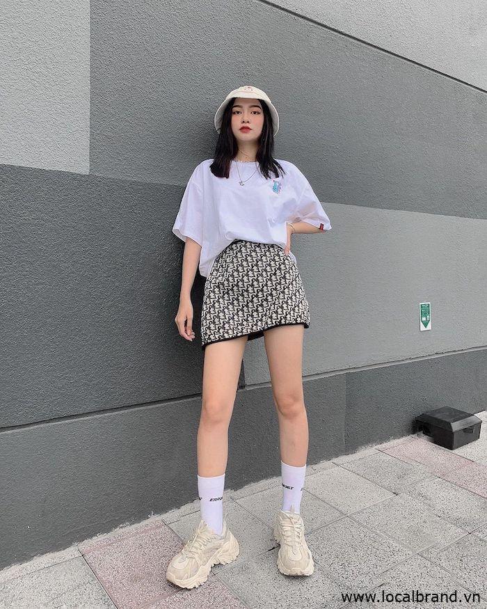 ao-phong-trang-nam-nu-streetwear