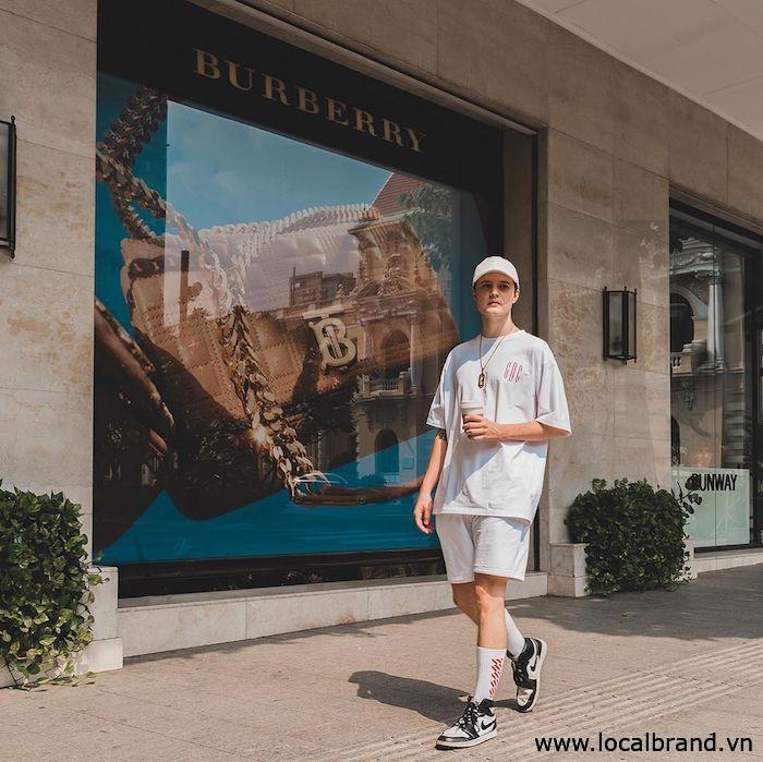 ao-thun-trang-nam-streetwear