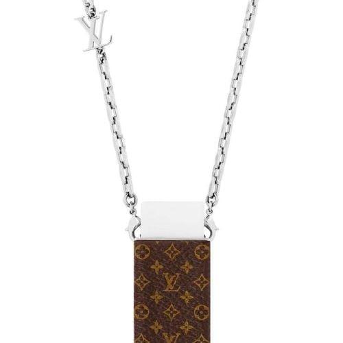 Vòng cổ cục tẩy của Global brand Louis Vuitton