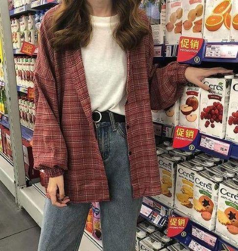Phối đồ cho phong cách retro đầy thời thượng cùng áo denim và quần jeans cạp cao