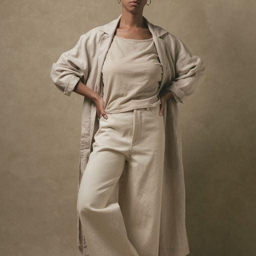 Trang phục dành cho nữ lần đầu tiên xuất hiện