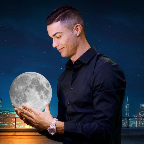 Cầu thủ điển trai Cristiano Ronaldo